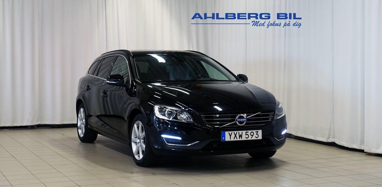 Volvo V60 Momentum, Classic Svart