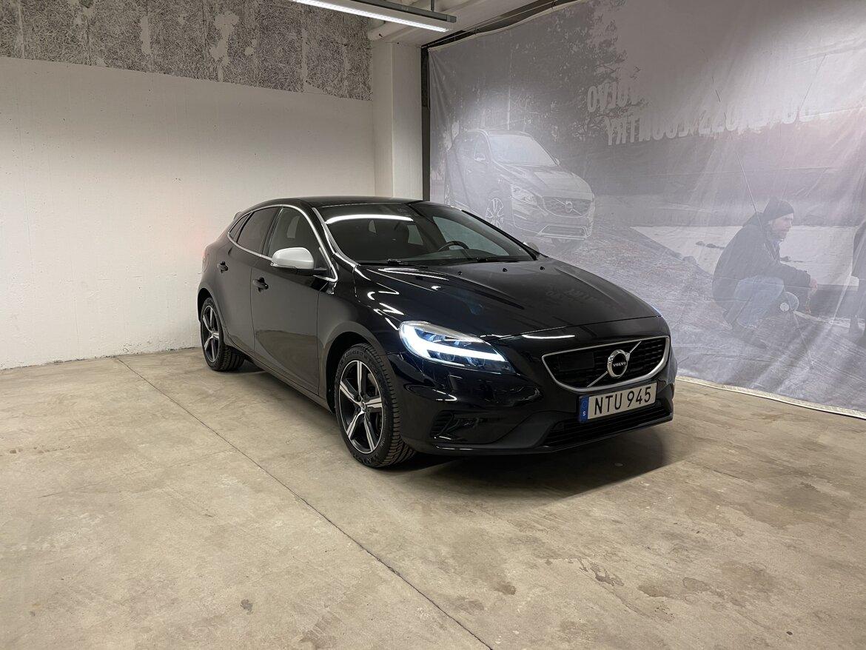 Volvo V40 Momentum, R-Design Svart