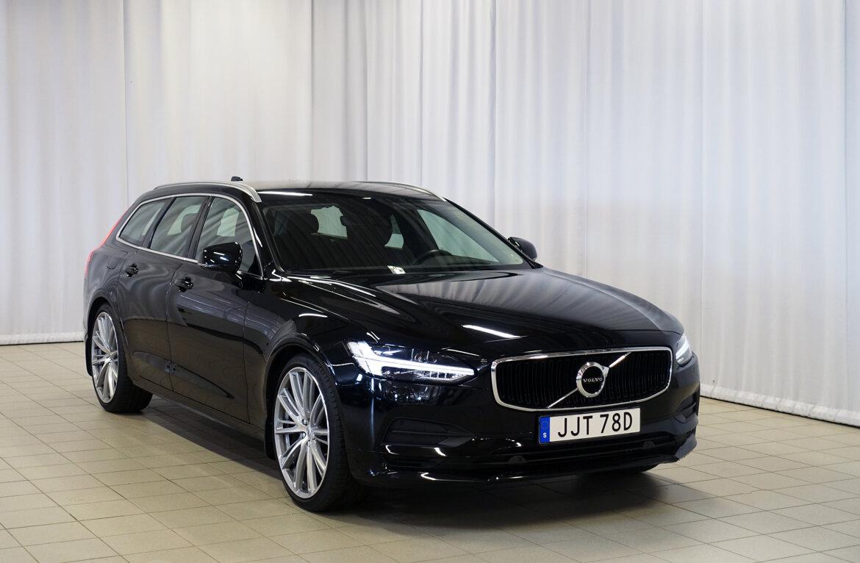 Volvo V90 Momentum, Advanced Edition Svart