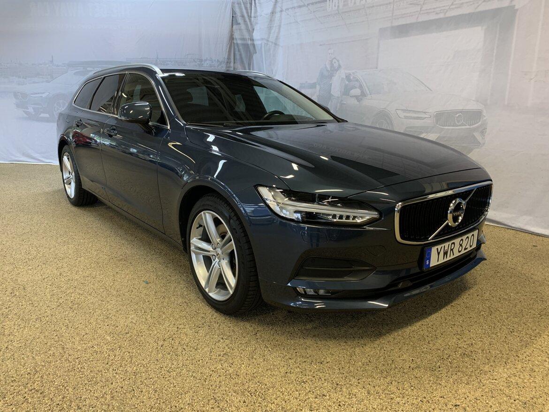 Volvo V90 Momentum, Advanced Edition Blå