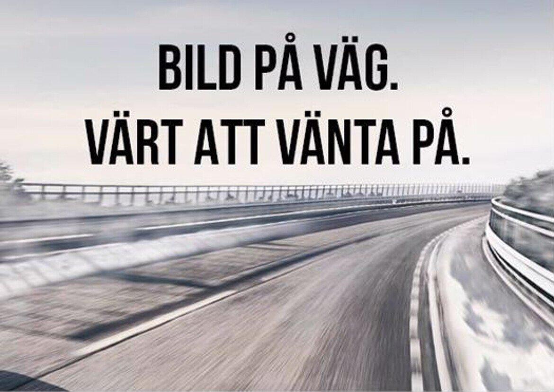 Volvo V60 Cross Country Momentum, Classic Blå