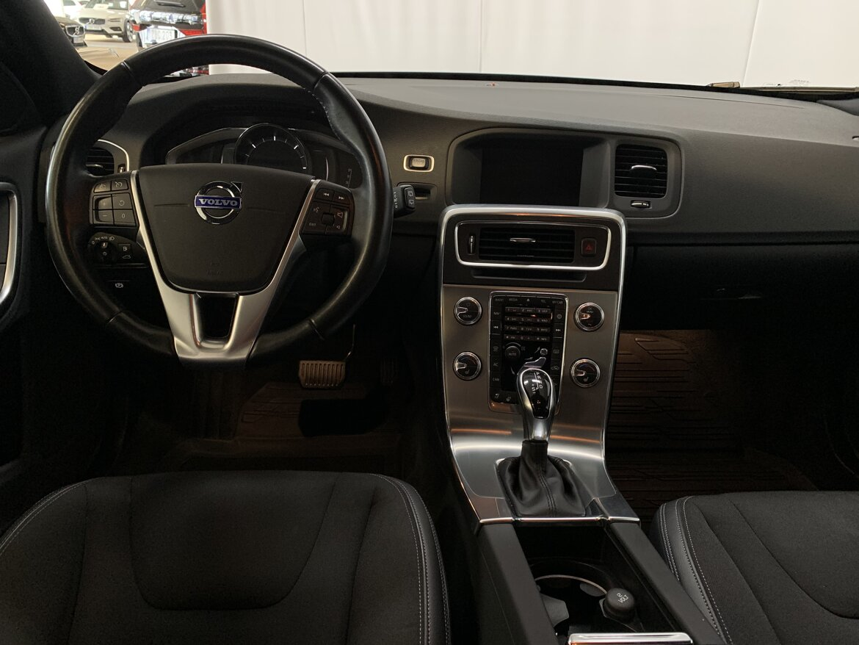 Volvo V60 Cross Country Momentum, Classic