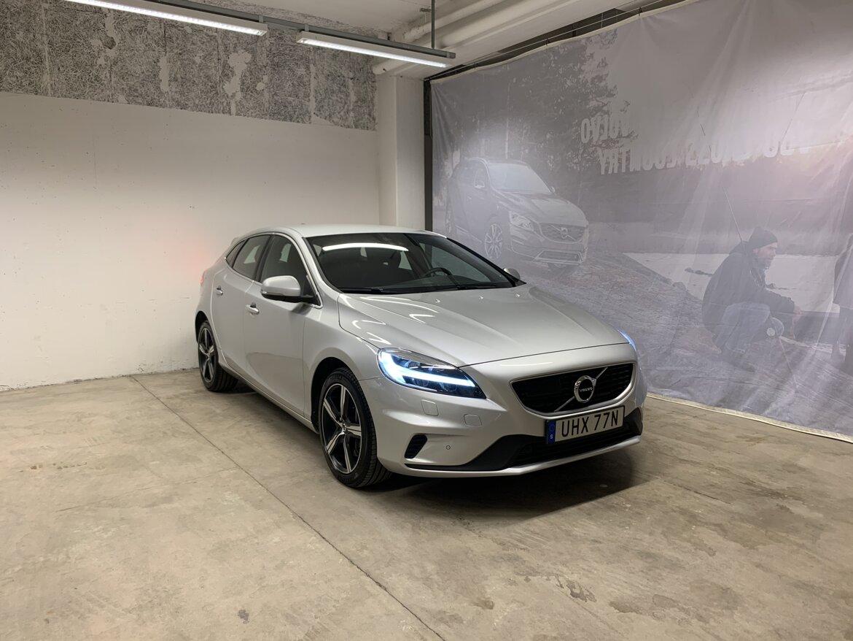 Volvo V40 Momentum, R-Design Silver