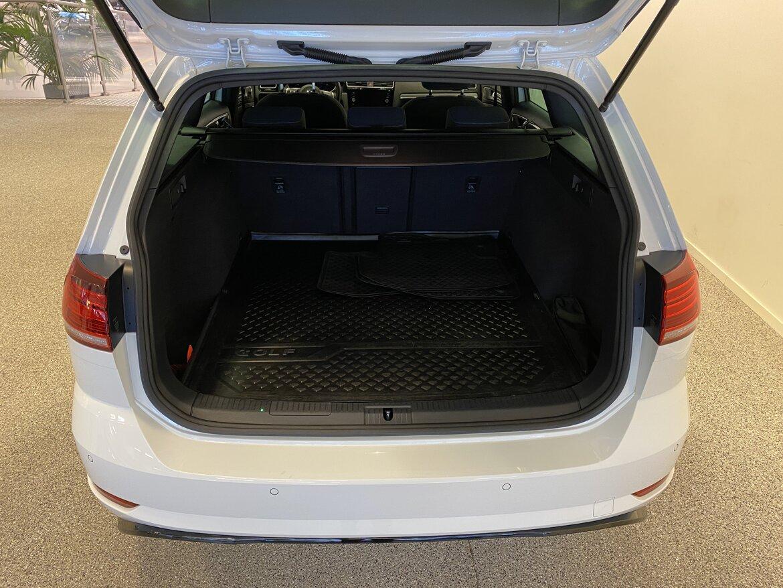 Nybergs Bil Nässjö Volkswagen Golf 1.4 R-line 2018