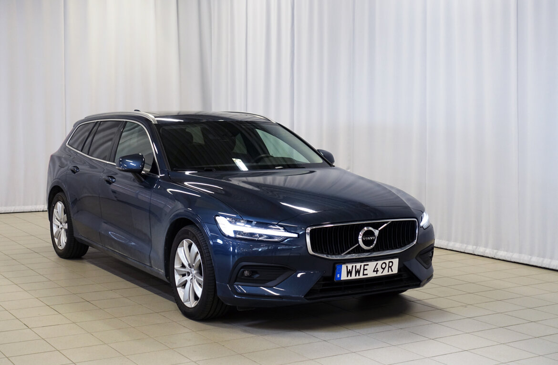 Volvo V60 Momentum Blå
