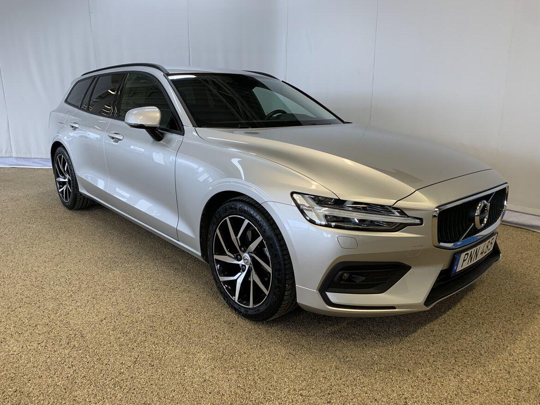 Volvo V60 Momentum, Advanced Edition Silver