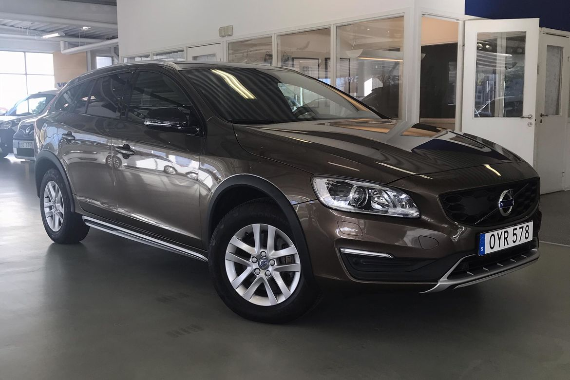 Volvo V60 Cross Country D3 Aut8 Momentum Brun