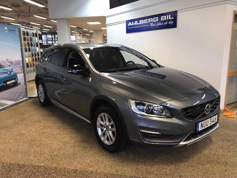 Volvo V60 Cross Country D3 Business Edition (Momentum+Teknikpkt) Grå