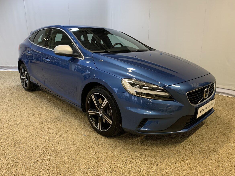 Volvo V40 Momentum, R-Design Blå