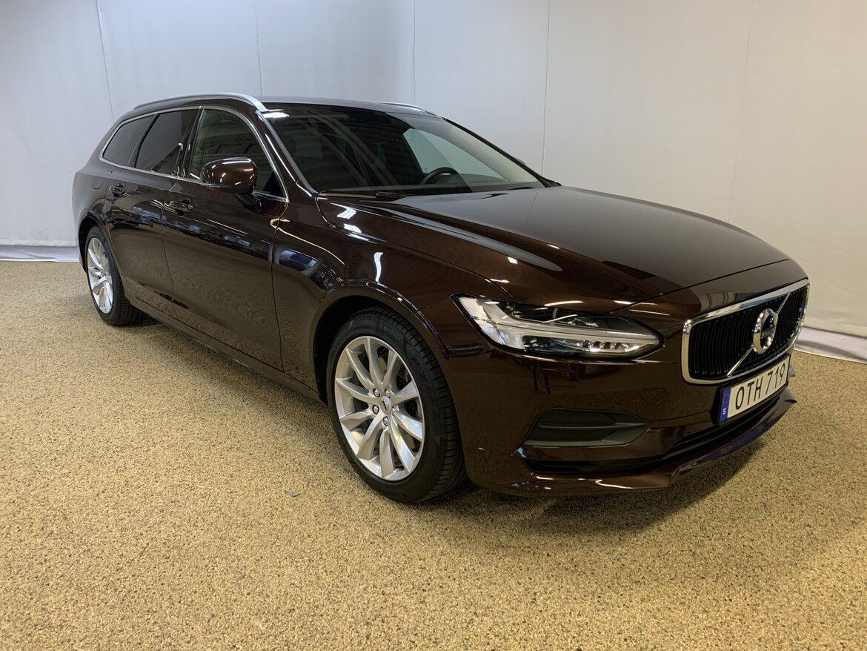 Volvo V90 Momentum, Advanced Edition Brun