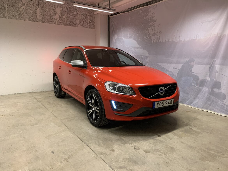 Volvo XC60 Momentum, R-Design, Classic Röd