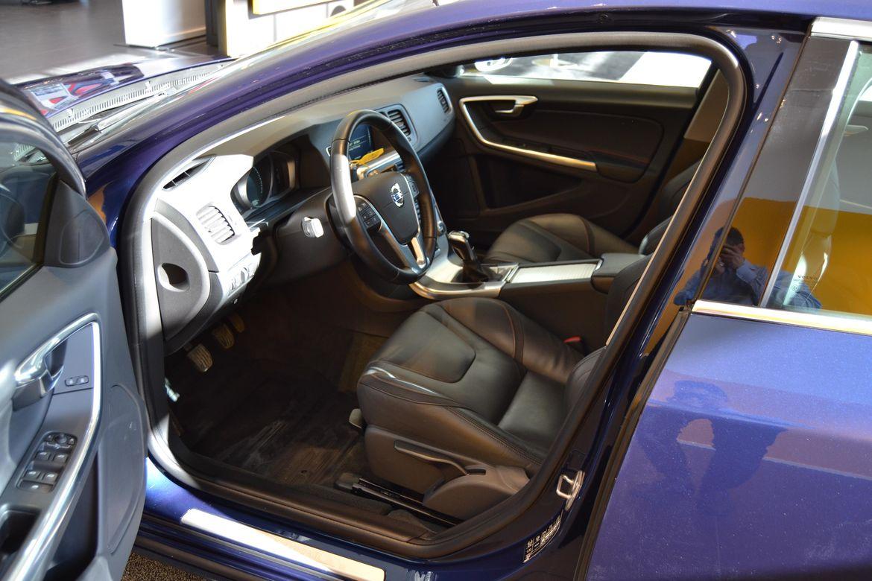 Volvo V60 D3 Ocean Race Blå