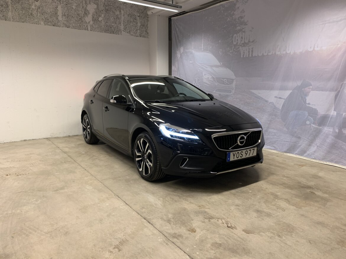 Volvo V40 Cross Country Kinetic Svart