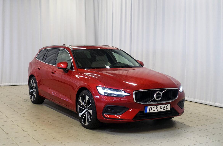 Volvo V60 Momentum, Advanced Edition Röd