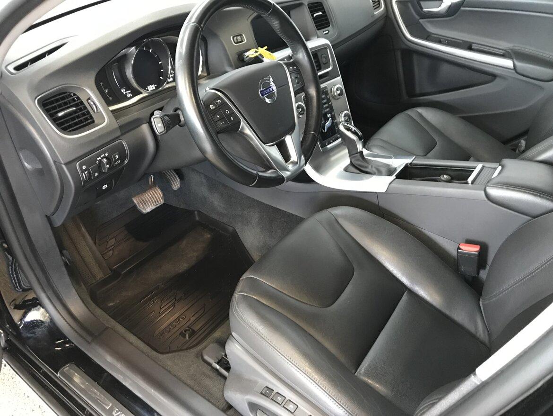 Volvo V60 Cross Country Summum, Classic