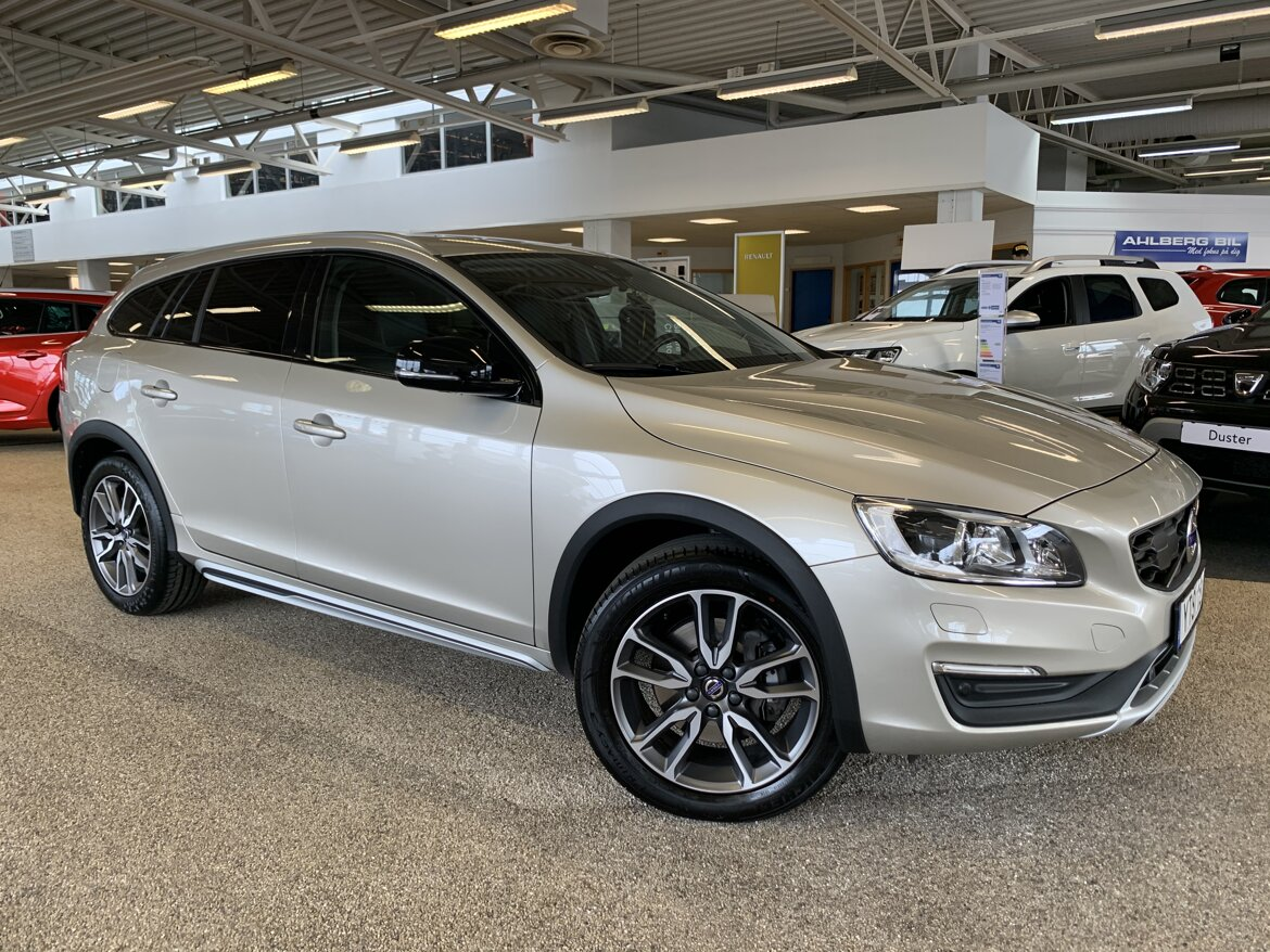 Volvo V60 Cross Country Summum, Classic Brun