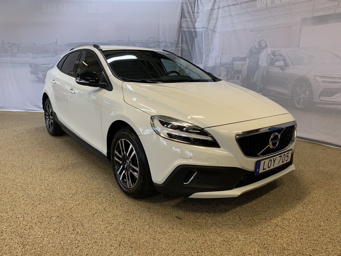 Volvo V40 Cross Country Momentum Vit